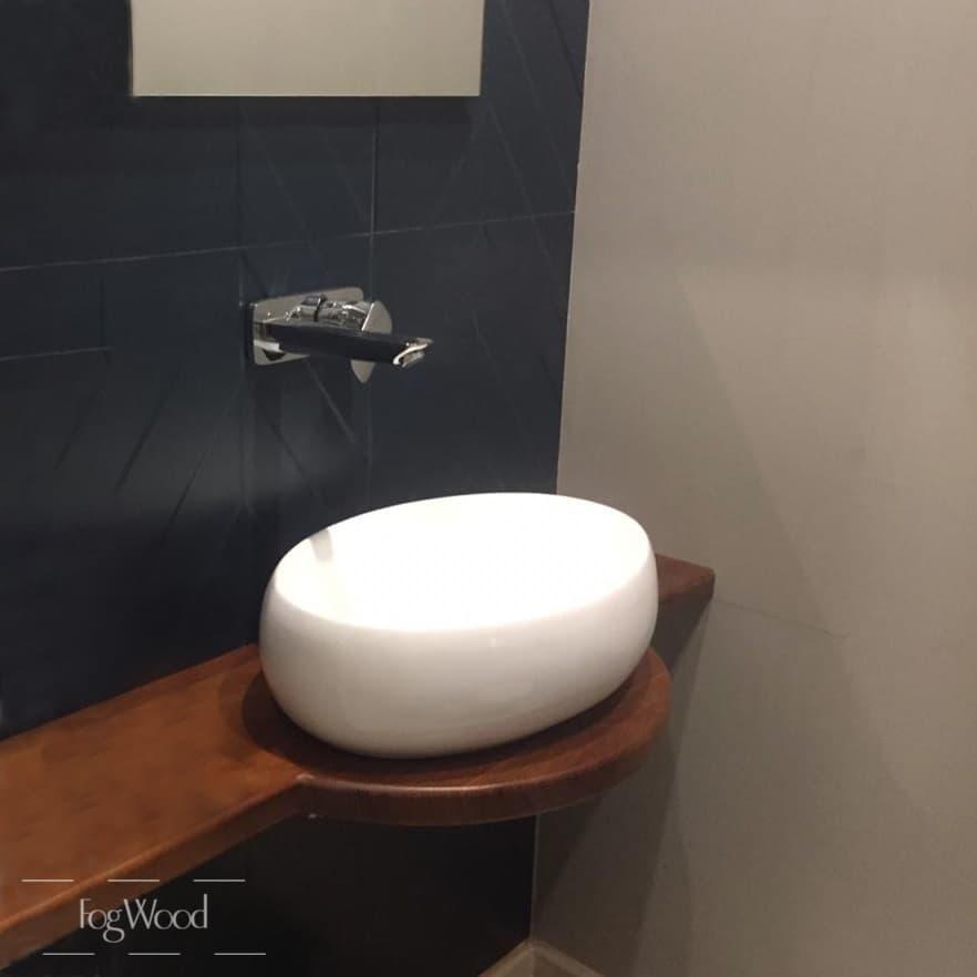 Столешница в ванную из массива дуба на заказ