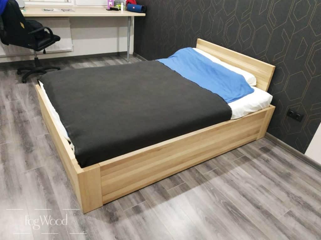 Кровать из массива граба на заказ