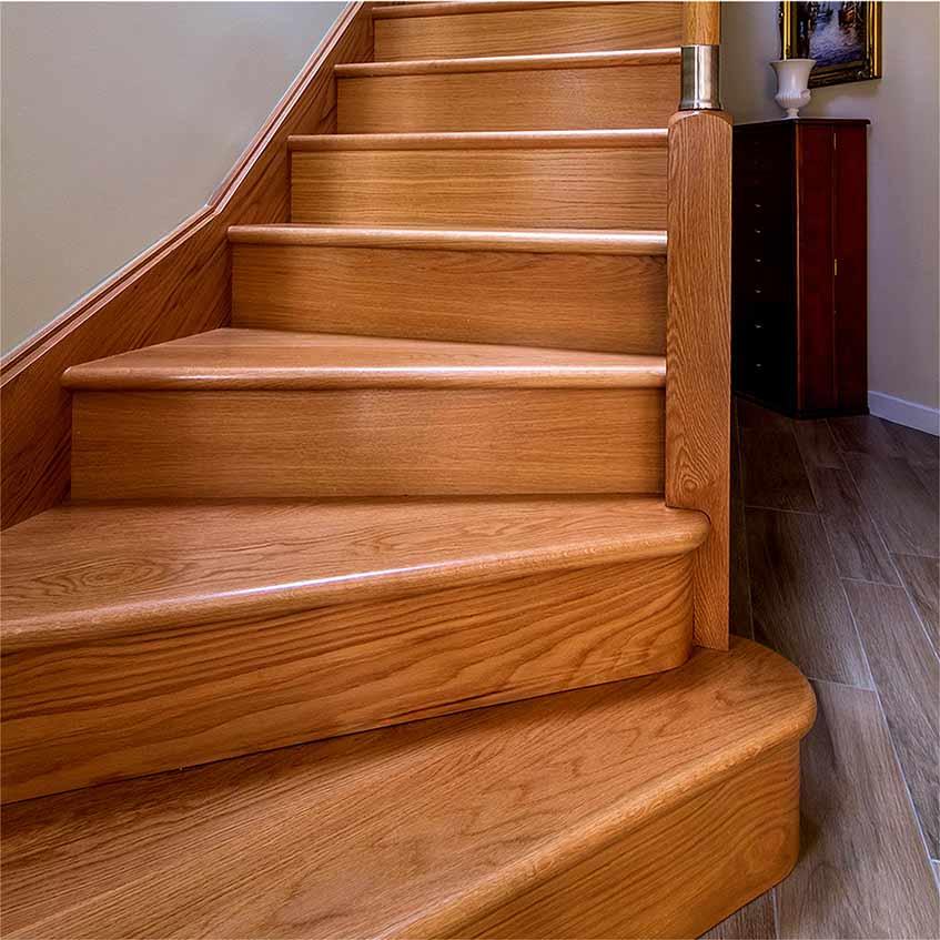 Ступени деревянной лестницы картинка