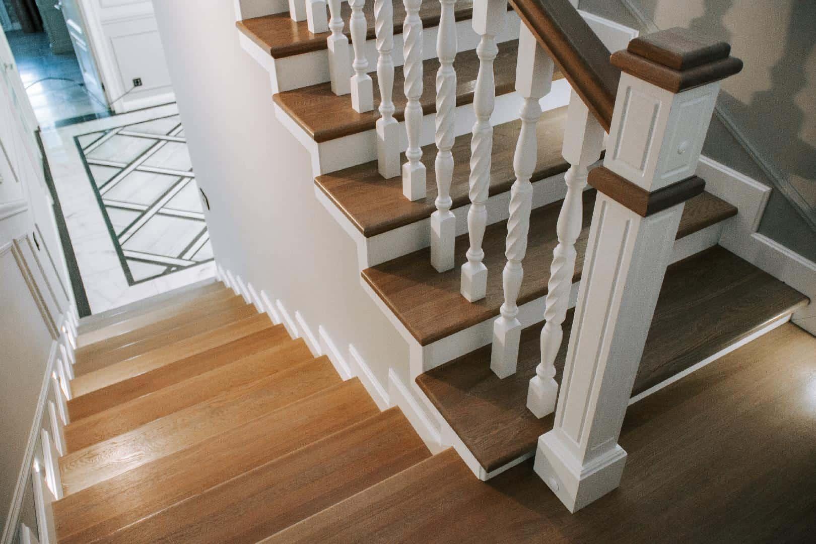 Виды обшивки лестницы